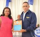 REDACCIÓN DELAZONAORIENTAL.NET El Comandante General de la Fuerza Aérea de República Dominicana, sostuvo que esa institución tiene el compromiso constitucional de defender el espacio aéreo de la República, pero también […]