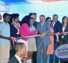 REDACCIÓN DELAZONAORIENTAL.NET El presidente Danilo Medina retomó este lunes el programa de inauguración de escuelas, entregando a la comunidad educativa del municipio San Antonio de Guerrael centro escolar de básica […]
