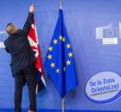 REDACCIÓN DELAZONAORIENTAL.NET Reino Unido votó por abandonar la Unión Europea, un resultado que llevó al primer ministro David Cameron a anunciar hoy su renuncia y que representa el mayor golpe […]