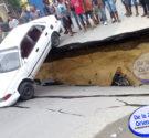 Angelo Germosén / DELAZONAORIENTAL.NET Santo Domingo Norte-Las fuertes lluvias que han caído en el país producto del huracán Matthew provocaron que la mañana de hoy la calle principal del barrio […]