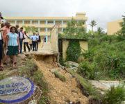 navarro-recorre-centros-escolares