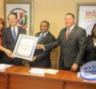 REDACCIÓN DELAZONAORIENTAL.NET Santo Domingo Norte -Recibió la tarde de éste miércoles la visita de cortesía de su excelencia el señor Ji-Zen Tang-Valentino, Honorable Embajador de la República China (Taiwán). El […]