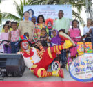 REDACCIÓN DELAZONAORIENTAL.NET Por: Francisco Portes Al finalizar una jornada de entrega de juguetes en varias comunidades de la Provincia Santo Domingo, Cristina Lizardo aconsejó a los padres y tutores dejar […]