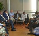 REDACCIÓN DELAZONAORIENTAL.NET Los alcaldes del Gran Santo Domingo, junto a directivos de la Mancomunidad, la Federación Dominicana de Municipios (Fedomu) y un representante el Poder Ejecutivo, se reunieron hoy con […]
