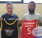REDACCIÓN DELAZONAORIENTAL.NET San Luis-El regidor y dirigente del Partido de la Liberación Dominicana (PLD) en la circunscripción III, Alexander Heredia, entregó ayer un juego de uniformes al equipo de baloncesto […]