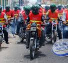 REDACCIÓN DELAZONAORIENTAL.NET La Policía apresó en el sector Mandinga, de Villa Faro a un hombre que se dedicaba a asaltar mototaxistas, rociándole en los ojos una sustancia química desconocida, para […]