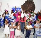 """REDACCIÓN DELAZONAORIENTAL.NET El Comité de Esposas de Oficiales de la Fuerza Aérea de República Dominicana celebró un acto – agasajo a decenas de niños del Centro Infantil FARD """"Alas de […]"""