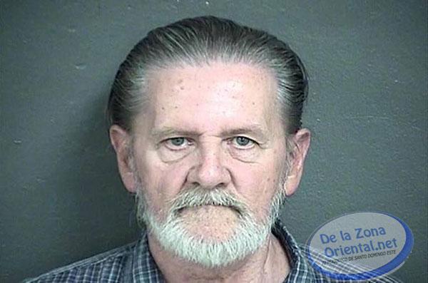 Roba banco para escapar de su esposa, y le dan prisión domiciliaria