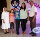 REDACCIÓN DELAZONAORIENTAL.NET  Santo Domingo Este.-La escuela Celina Pellier, realizó su acostumbrado acto de graduación de cierre de fin de año escolar, y premió a los estudiantes más sobresalientes con […]