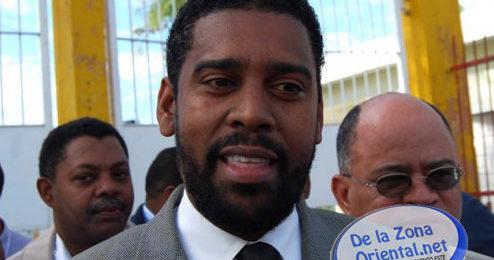 REDACCIÓN DELAZONAORIENTAL.NET Eljuezde la Oficina de Atención Permanente de Santo Domingo Oeste fijó para este martes en horas de la mañana el conocimiento de la medida de coerción contra cuatro […]